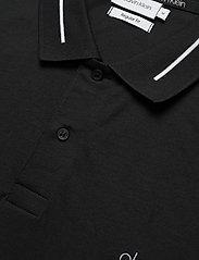 Calvin Klein - LIQUID TOUCH LOGO CUFF POLO - polos à manches courtes - ck black - 2