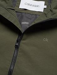 Calvin Klein - CASUAL NYLON BLOUSON JACKET - kurtki-wiosenne - dark olive - 3