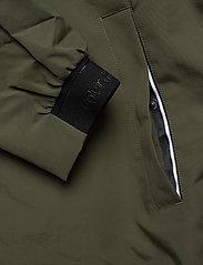 Calvin Klein - CASUAL NYLON BLOUSON JACKET - kurtki-wiosenne - dark olive - 4