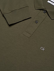 Calvin Klein - LIQUID TOUCH LONG SLEEVE POLO - polos à manches longues - dark olive - 2