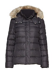 ESSENTIAL DOWN JACKET - CALVIN BLACK