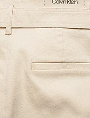 Calvin Klein - PAPER BAG DENIM PANT - bukser med brede ben - olinda ecru - 4