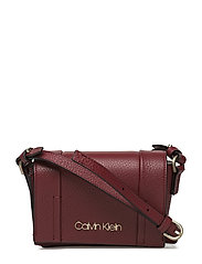 Calvin Klein - City Leather Sml Fla