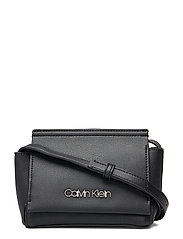 STITCH FLAP CROSSBOD - BLACK