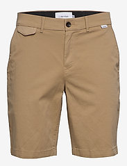 Calvin Klein - SLIM FIT GARMENT DYE - tailored shorts - travertine - 0