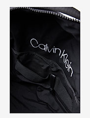 Calvin Klein - CLASH SQ WEEKENDER - tietokonelaukut - black - 5