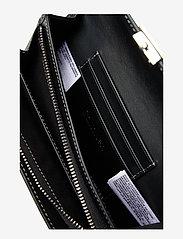 Calvin Klein - LOCK TRIFOLD S - beurzen - silver - 4