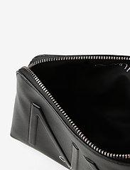 Calvin Klein - NY SHAPED WASHBAG - torby kosmetyczne - black - 4