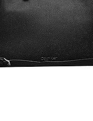 Calvin Klein - TOTE LG - handväskor - ck black - 3