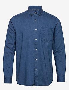 BUTTON DOWN BRUSHED TWILL SHIRT - basic shirts - calvin navy