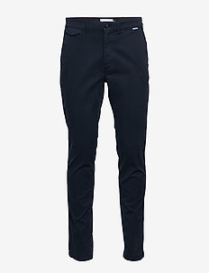 SLIM FIT GARMENT DYE CHINO - chino's - calvin navy