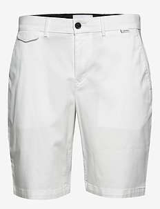 SLIM FIT GARMENT DYE - tailored shorts - calvin white