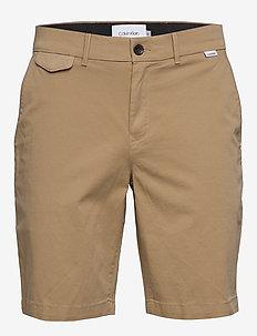 SLIM FIT GARMENT DYE - tailored shorts - travertine