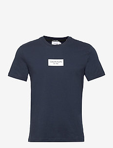 CHEST BOX LOGO T-SHIRT - lyhythihaiset - calvin navy