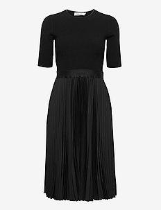 NS PLEATED SKIRT MIDI DRESS - midi kjoler - ck black