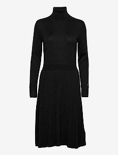 FLARE DRESS - midi kjoler - ck black
