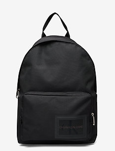 CKJ SPORT ESSENTIALS CAMPUS BP45 - BLACK