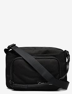 ULTIMATE NYLON CAMER - shoulder bags - black
