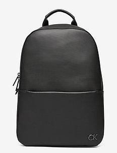 ROUND BP W/ PCKT - ryggsäckar - ck black