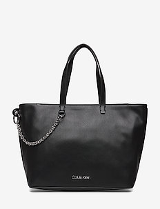 CHAINED SHOPPER - BLACK