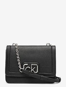 FLAP SHOULDER BAG MD - schoudertassen - black