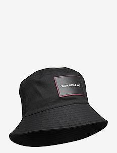 SPORT ESSENTIALS BUCKET - chapeau de seau - black