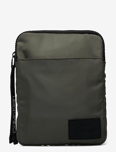 FLAT PACK S - shoulder bags - dark olive
