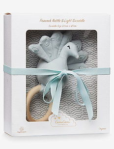 Gift Box w/ Printed Swaddle and Peacock Rattle - odzież - swaddle: grey wave rattle: blue mist