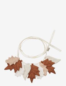 Garland Leaves - GOTS - dekoracje ścienne - mix caramel