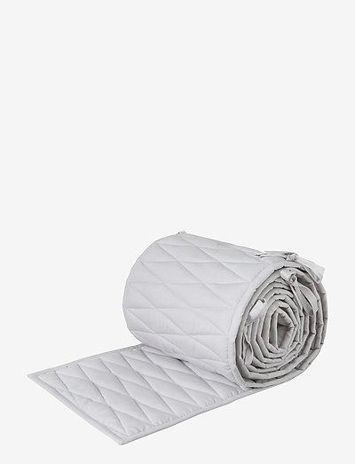 Cot Bumper w/ Harlequin embroidery - OCS Classic Grey - gitterbettumrandungen - classic grey
