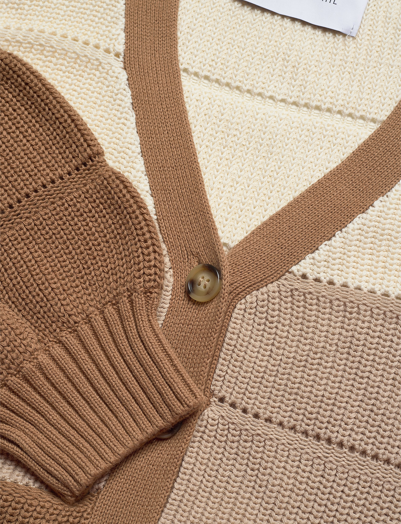 Precise Blocked Cardigan (Sand) (1019.40 kr) - Camilla Pihl