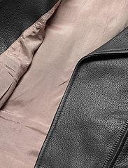 Camilla Pihl - Soho Leather Jacket - skinnjackor - black - 5