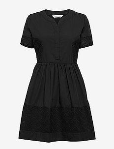 Cam dress - do kolan & midi sukienki - black