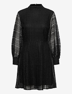 Celosia Lace Dress - korte kjoler - black
