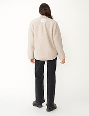 Carin Wester - Row - faux fur - offwhite - 4