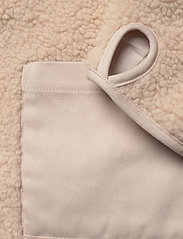 Carin Wester - Row - faux fur - offwhite - 6