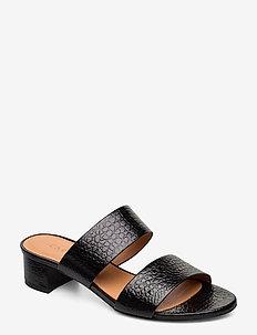 SANDALS - mules & slipins - black yango 10