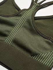 Casall - Seamless sports top - sport bras: low - northern green - 3