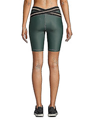 Casall - Fearless High Waist Short Tights - turning green - 4