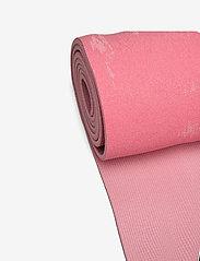Casall - Exercise mat Cushion 5mm - maty do ćwiczeń - brilliant pink - 1