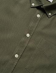Casual Friday - Anton BD LS garment dyed shirt - vêtements - olivine - 3