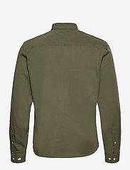 Casual Friday - Anton BD LS garment dyed shirt - vêtements - olivine - 1
