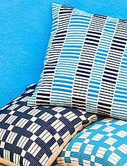 Ceannis - C/c 50x50 Blue Stripe Braided - coussins - blue - 2