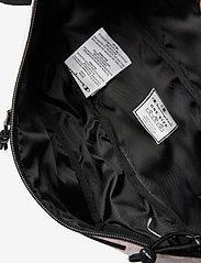 Champion - Belt Bag - vyölaukut - parfait pink - 3