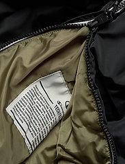 Champion - Hooded Jacket - anoraki - black beauty - 4