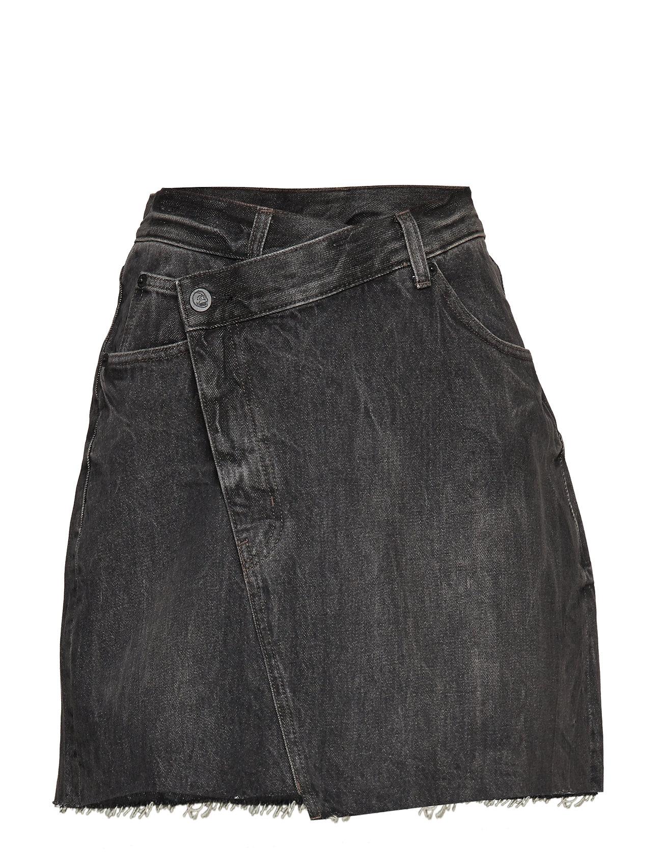 Cheap Monday Slant Skirt Black Crinkle - BLACK