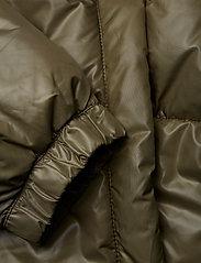 Sleeping coat Chp mnd sender