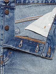 Sound Shorts Hex Blue