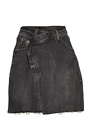 Slant Skirt Black Crinkle - BLACK