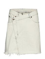 Slant Skirt Average White - WHITE